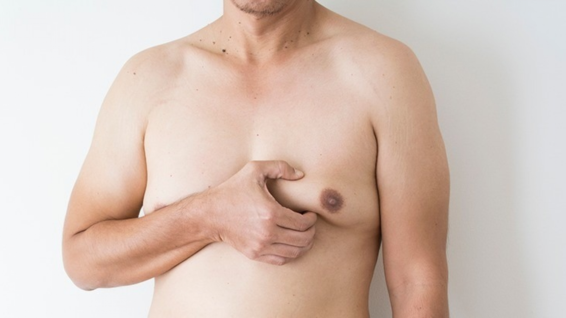 clinica de cirurgia plastica em santos dra ana lucia Ginecomastia crescimento de mamas em homens