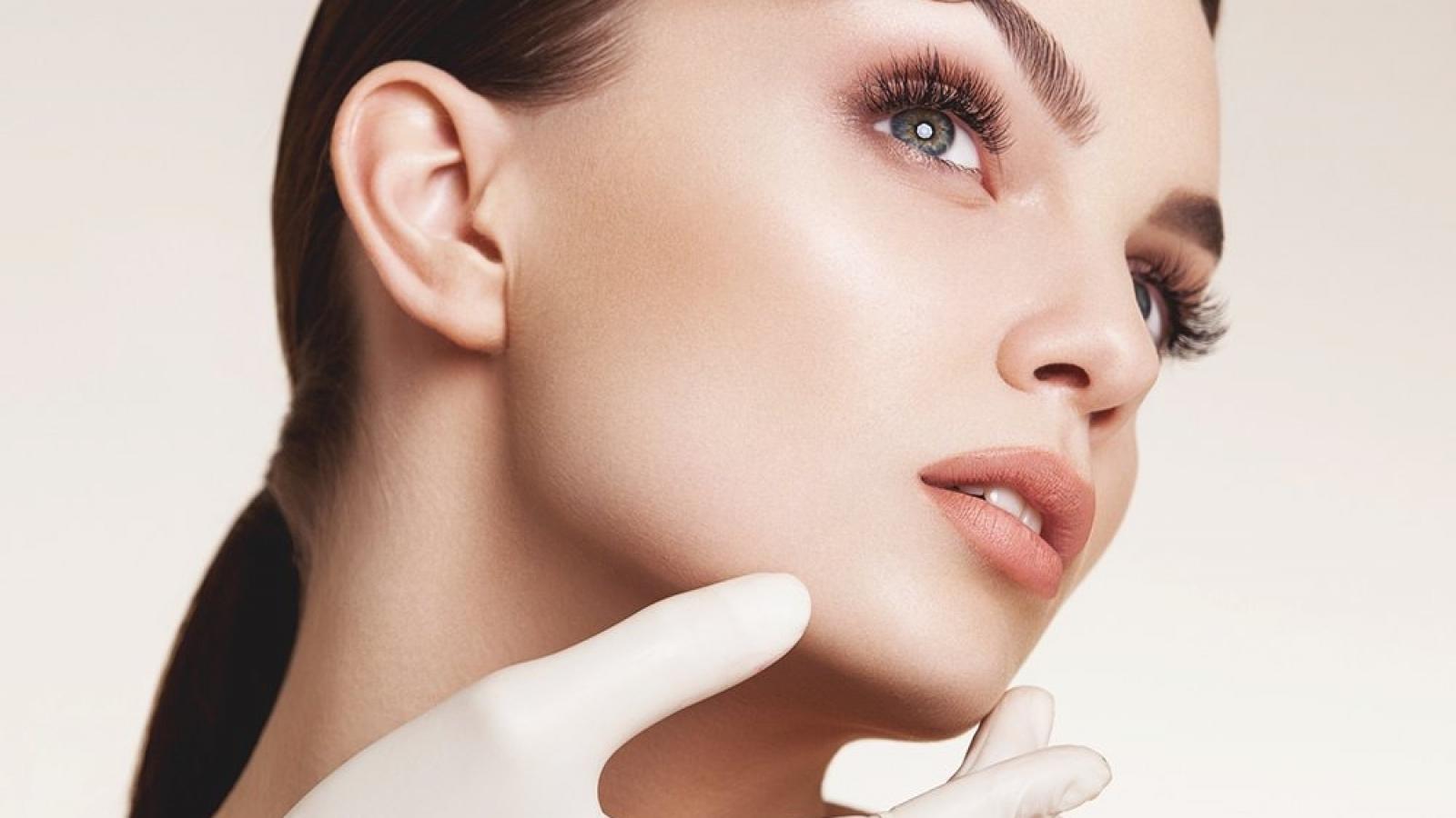 CLINICA DE CIRURGIA PLASTICA EM SANTOS DRA ANA LUCIA LEMOS AB Face Anatomia da Beleza da Face - Nova técnica de preenchimento facial.